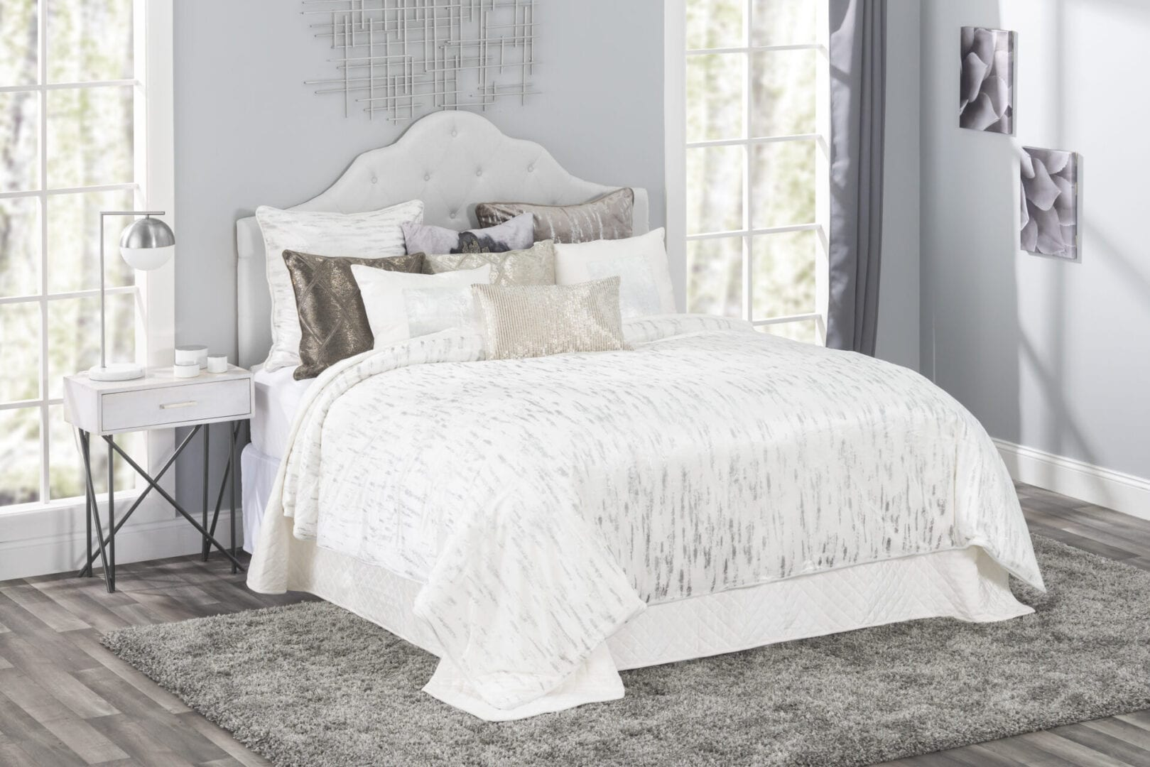 Zilar White and Silver Duvet